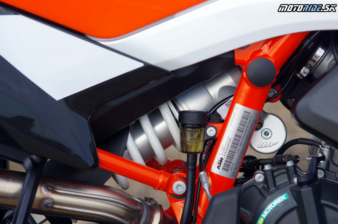 Zadný tlmič - bez prepákovania - WP PDS - Prvé dojmy z jazdy na KTM 790 Adventure R 2019