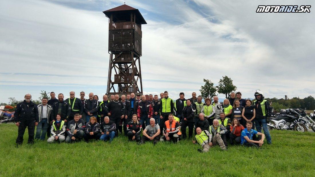 Spoločná foto na výjazde - 16. stretnutie motorideákov 2019 na Morave