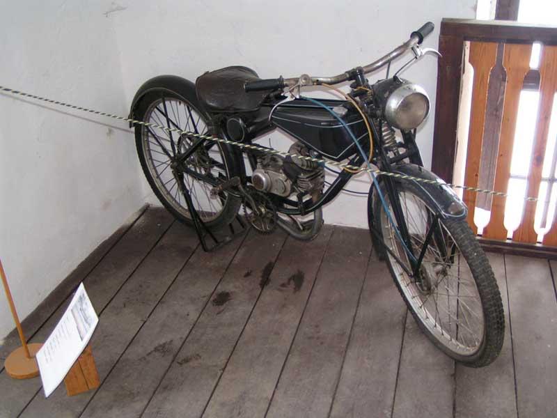 Žeby Cafe racer :-)) - Múzeum historických vozidiel Mlynica