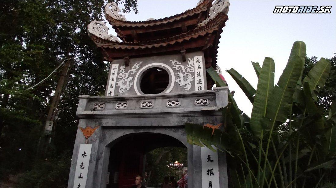 Vitajte v Hanoji - Naživo: Vietnam moto trip 2019