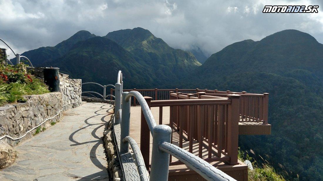 Heaven's Gate - Brána do neba, schody do prázdna, Sapa a výlet medzi Hmongov v Ta Van - Naživo: Vietnam moto trip 2019