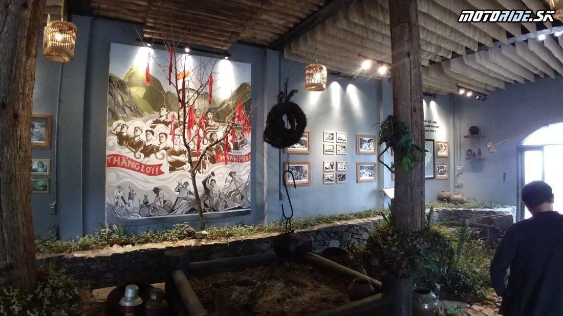 Ma Pi Leng Pass múzeum - Horská cesta do Mao Lac - Naživo: Vietnam moto trip 2019