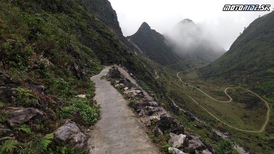 Odbočka z Ma Pi Leng Pass - Horská cesta do Mao Lac - Naživo: Vietnam moto trip 2019