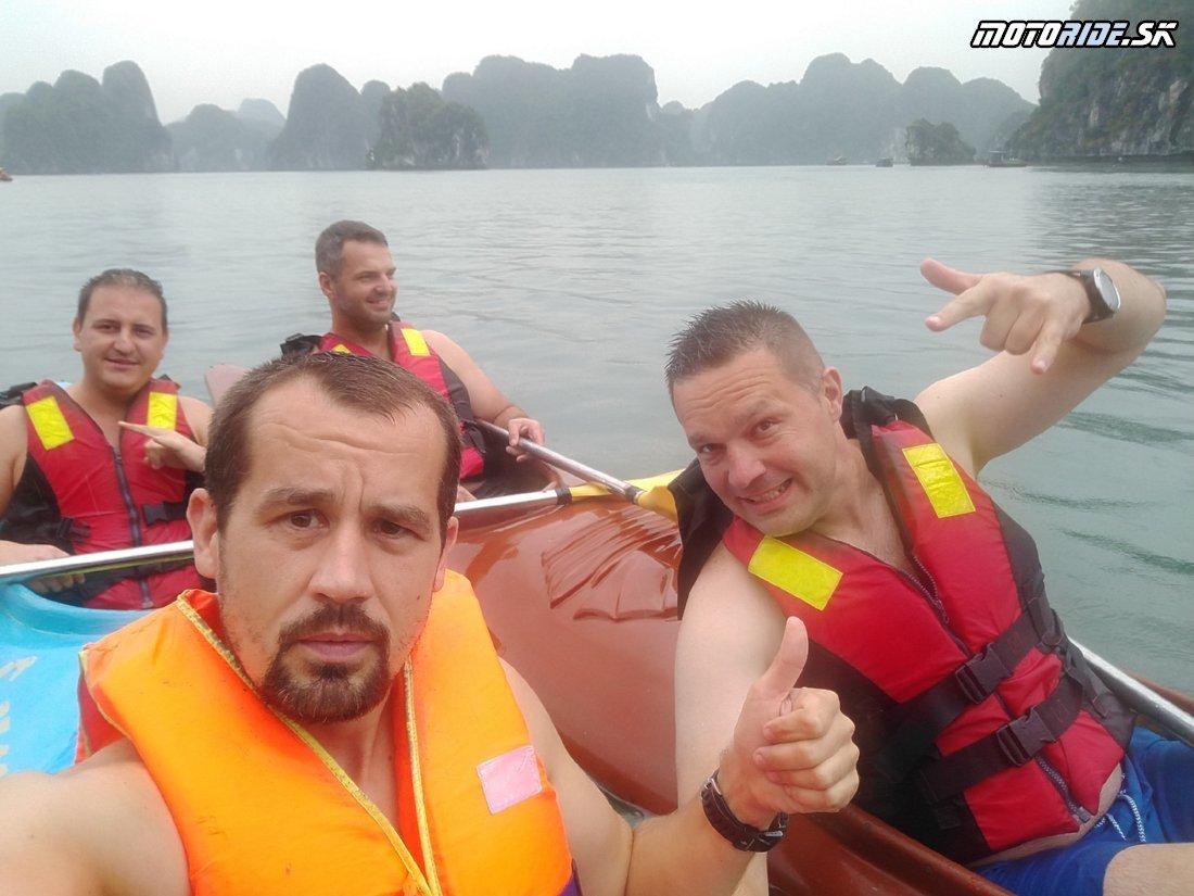 Výlet do Halong bay - ostrov Cat Ba, plavba, kajaky, Monkey island - Naživo: Vietnam moto trip 2019