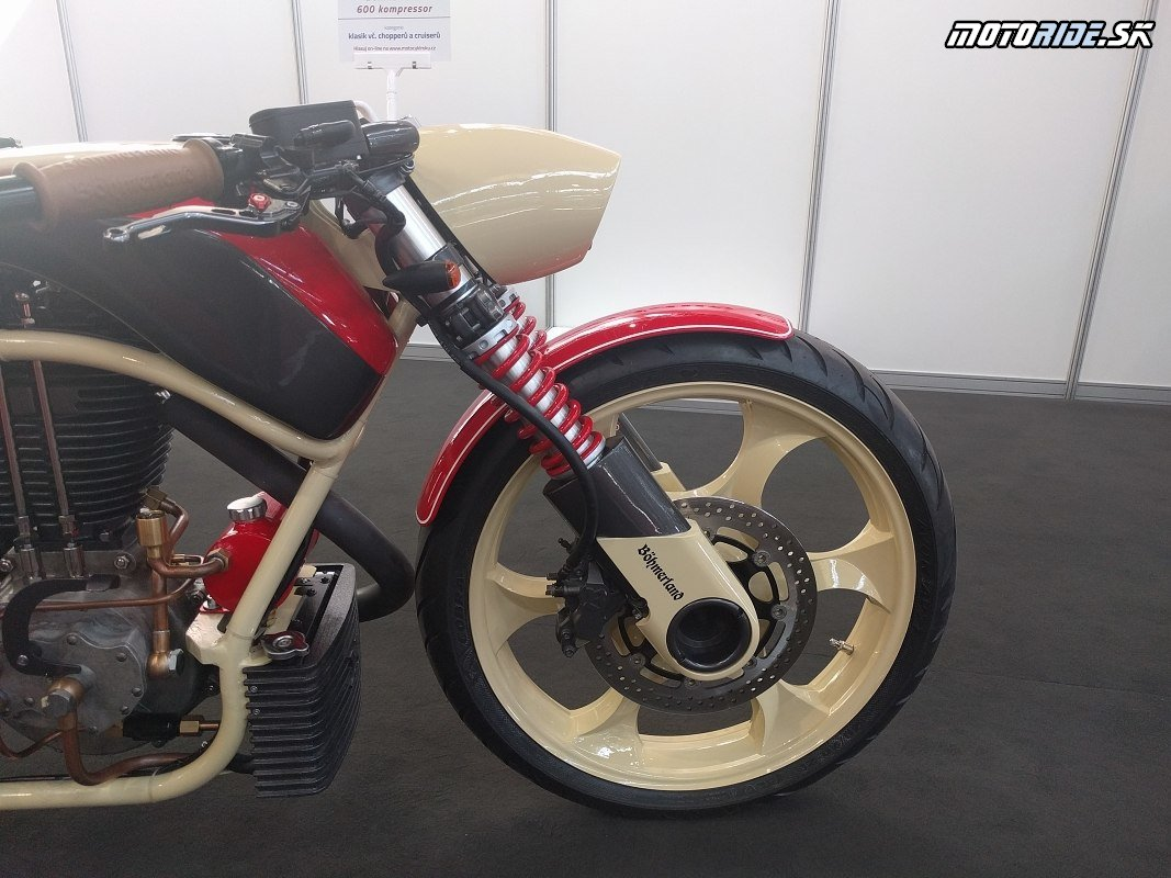 veľký dutý čap je použitý aj vredu - Motosalón Brno 2020