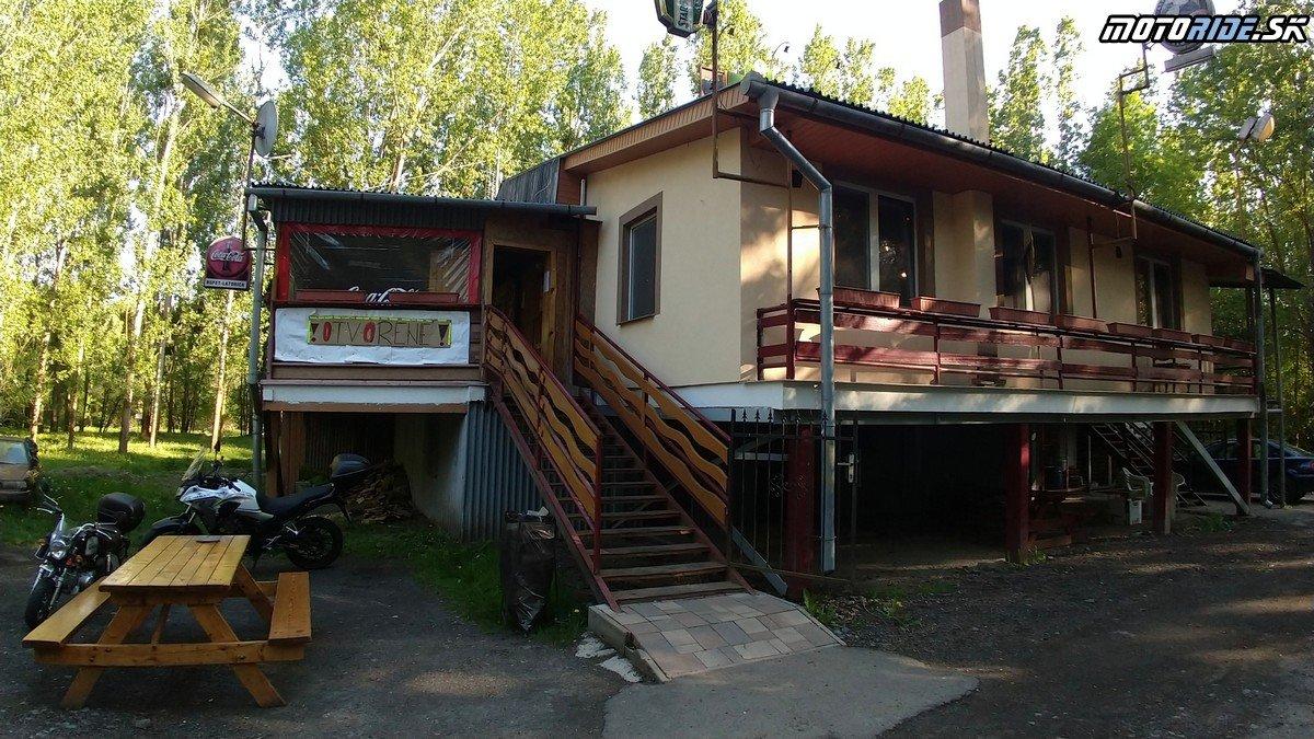 Reštaurácia pri Latorici - Krížom-krážom po Slovensku na CB500X