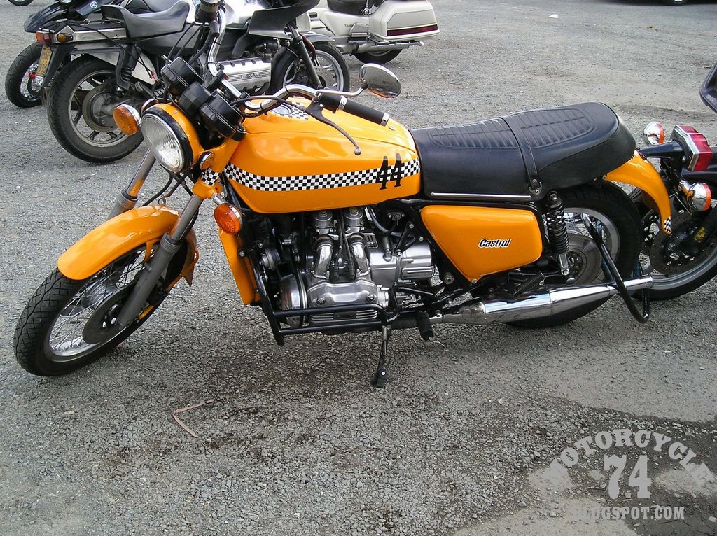 Honda GL 1000 Gold Wing Naked Bike 1977