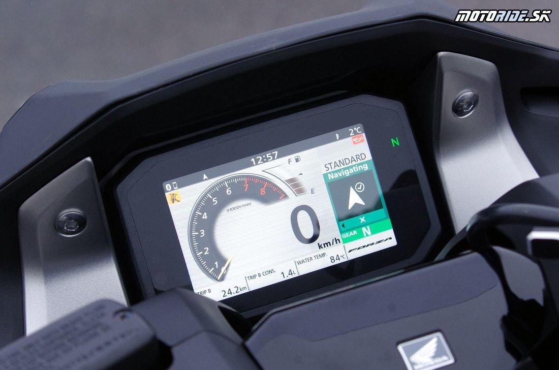 "Honda Forza 750 2021 -  Systém hlasového ovládania ""Honda Smartphone Voice Control system"""