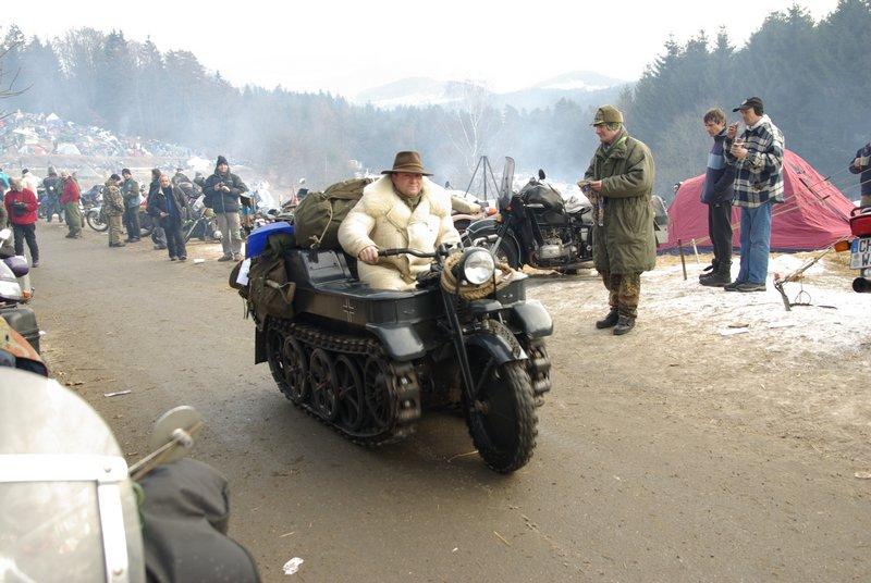 Elefantentreffen 2009 - stvorený na diaľnicu...