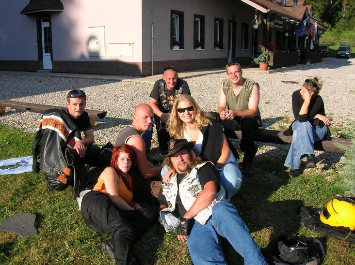 poobednajšia siesta na stretnutí motorkárov turca
