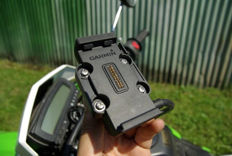 Garmin zumo 660 - plastový držiak Garmin