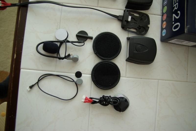 Hello Biker 2.0 - slúchdlá do prilby a dvojica mikrofónov