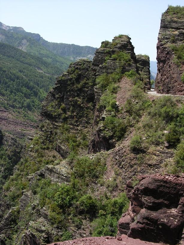 Roklina Gorges Daluis (cesta je vpravo)