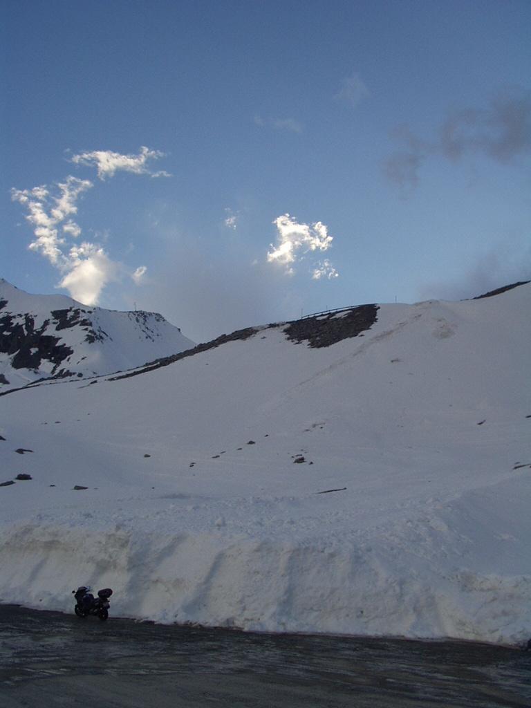 Awiova CBR pri snehovej stene