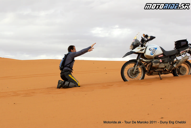 Awia - Erg Chebbi - dunové pole, Maroko - Tour de Maroko 2011
