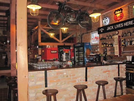 Rider's Pub