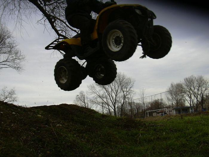 Fotka, ktorú sa podarilo spraviť pri mojom skoku na Polarise Trail Boss 325...