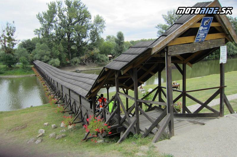 Motoride Stretko 2012 - drevený most Kolárovo