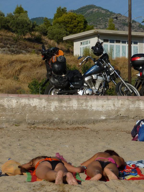 Neos Marmaras - nájdi motorku