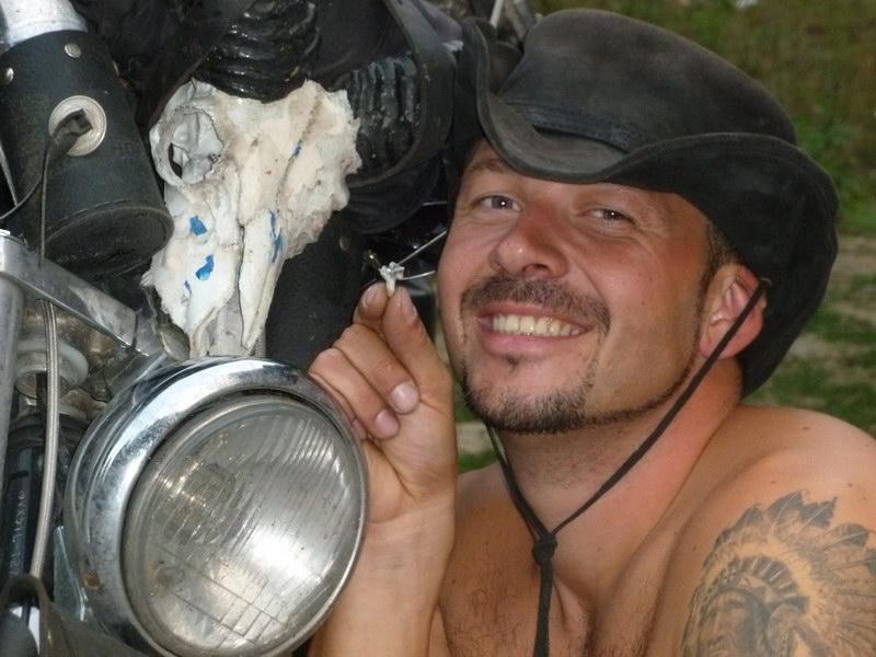 Fedorovi v Kosove vypadol predposledný zub