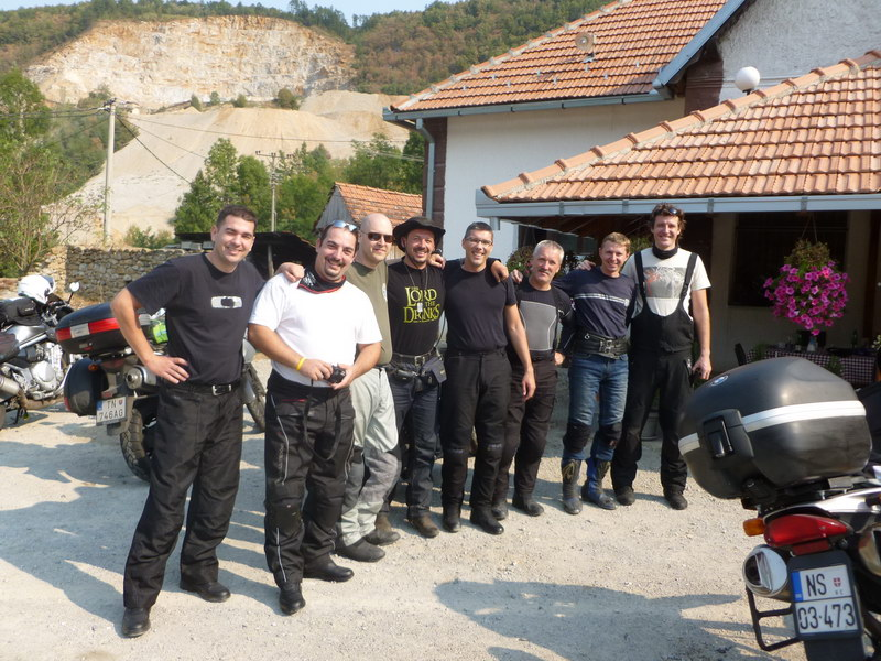 Družné stretko so srbskými motorkármi pri Valjeve