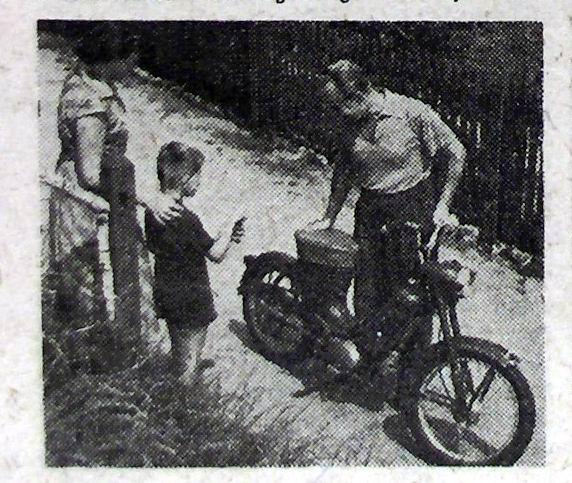 12 reprodukcia inej pôvodnej reklamnej fotky z roku  1956