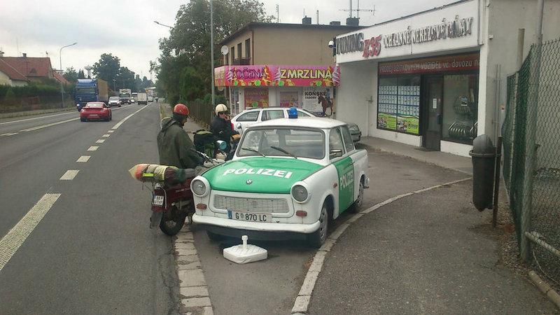 Cesta NAPIONIERI na 24 hodinovku do Novej Paky policia