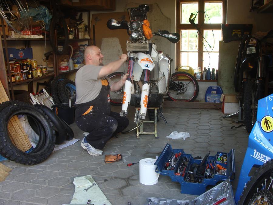 Ladenie podvozku na ťažkom endure - FARYN MOTO