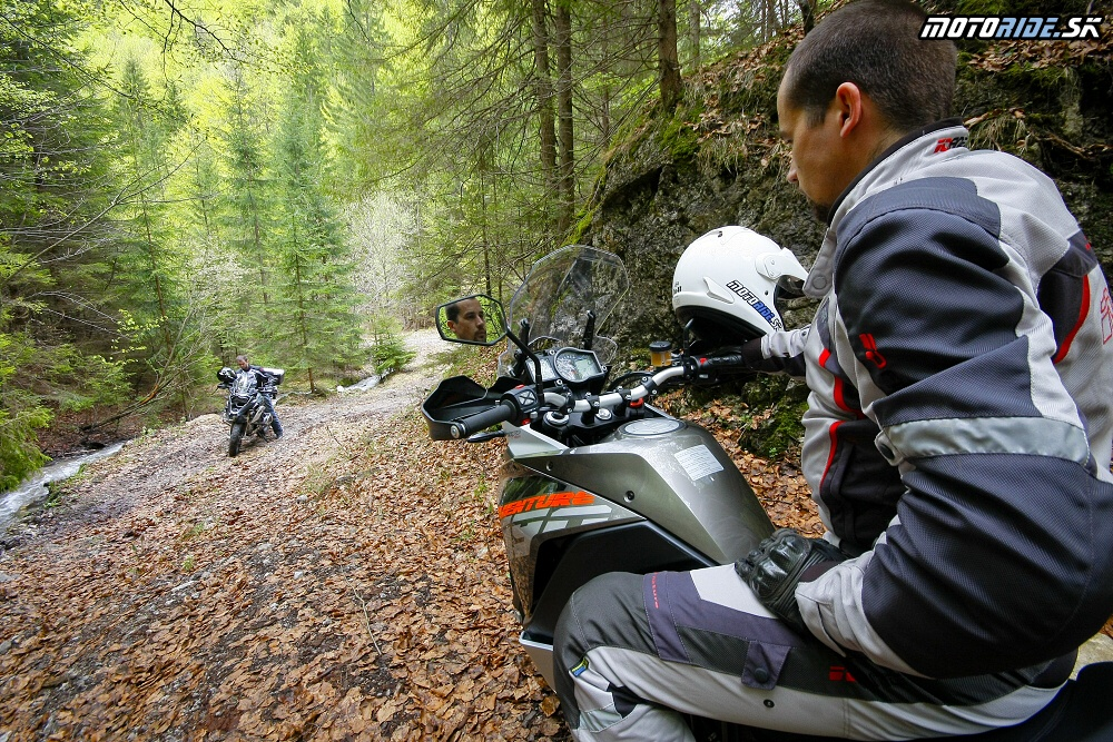 BMW R1200GS vs. KTM 1190 Adventure