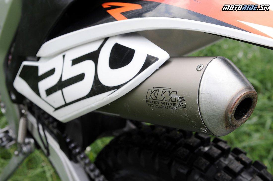 044 KTM Freeride 250R