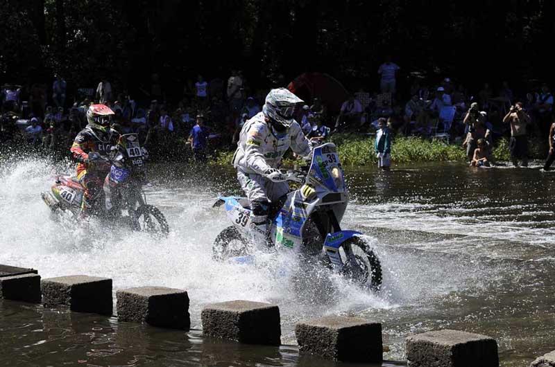 Dakar 2014 David Pabiška (39) a J. Carlos Salvatierra (40) - 1. etapa - Rosario - San Luis