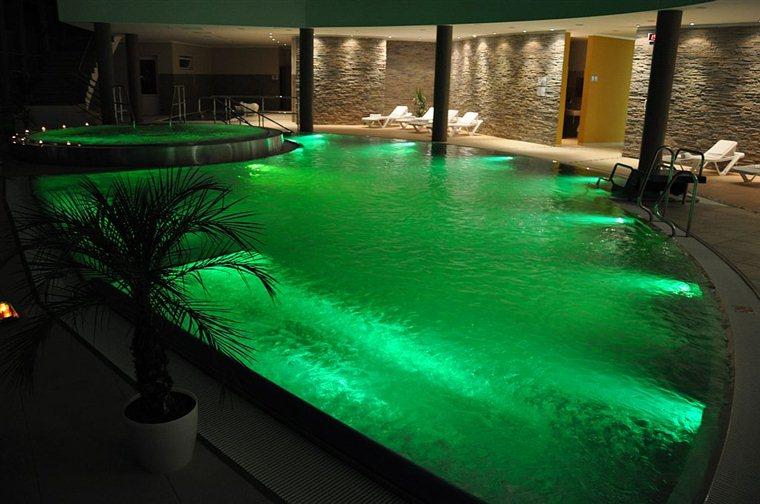 termálny bazén