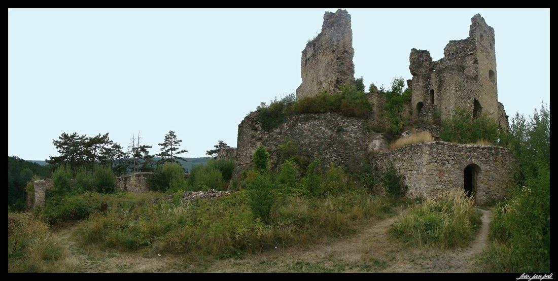 zrúcanina hradu Divín 2