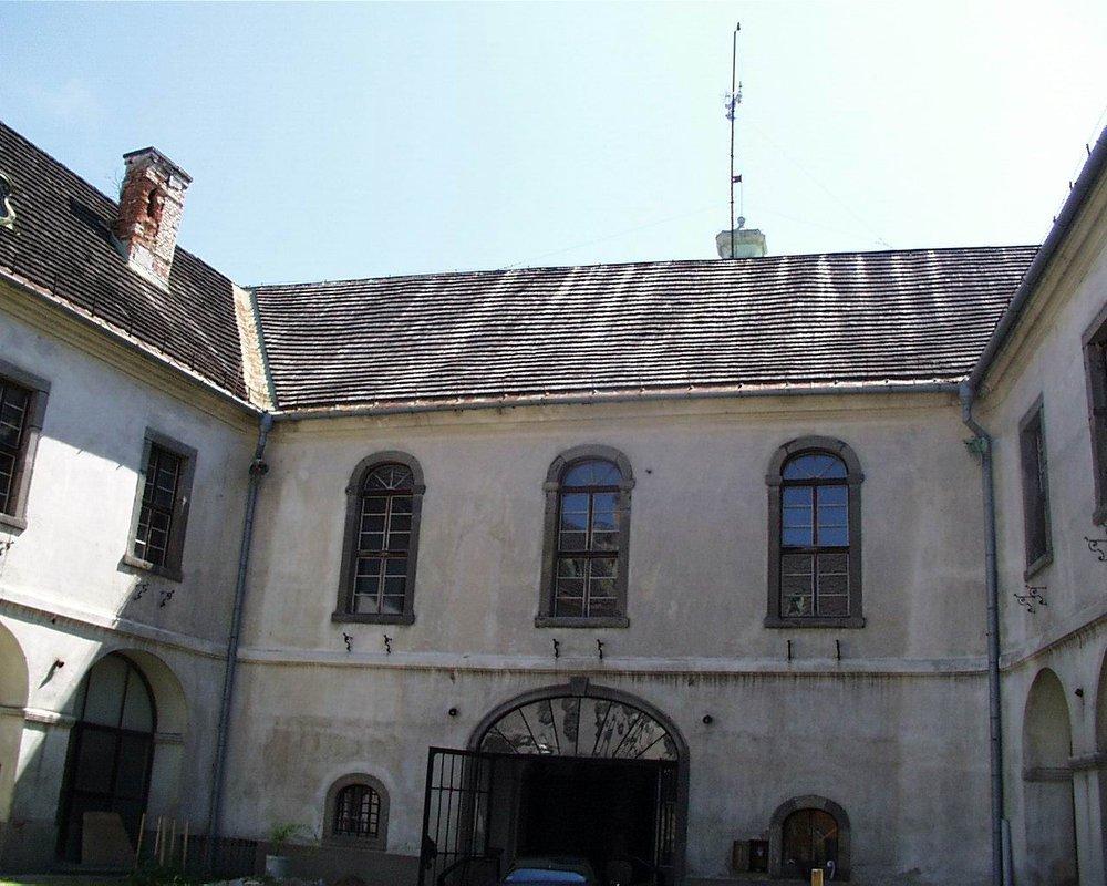 vstupná brána do zámku