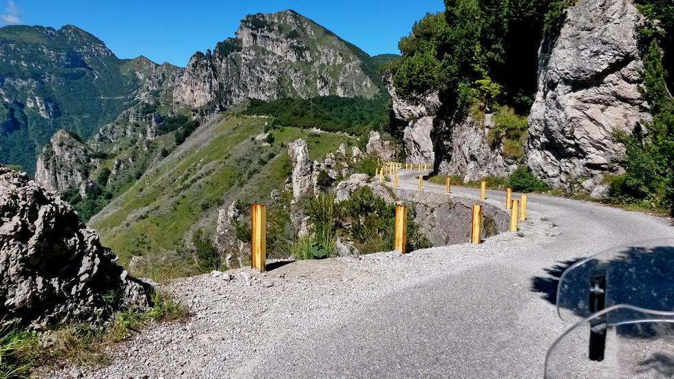 Traverz Spina - Dosso Alto je miestami dosť exponovaný