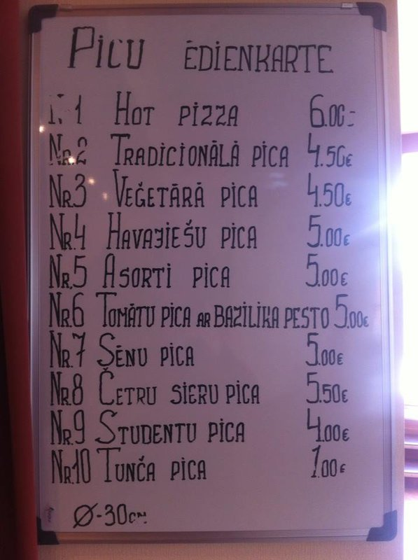 Izvinite miňa, je to lacná zábava pre Slovákov, ale o toto lotyšsko-talianske menu sa nedá nepodeliť! :-)))))))
