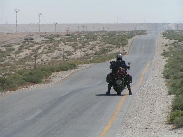 Cesta púšťou na Palmyru.