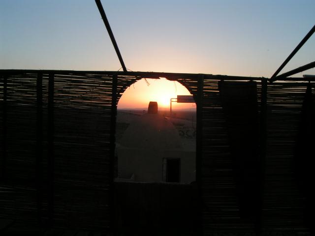 Východ slnka v Bagdad Cafe 55, kde sme spali.