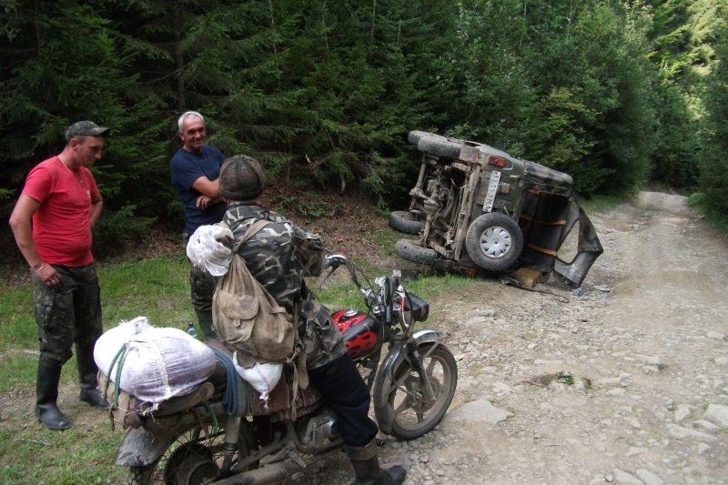 nie len motorky padaju