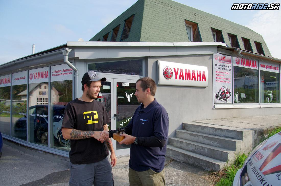 Odovzdanie trofeje Motoshop roka 2013 - Jakub Vallo - Yamaha