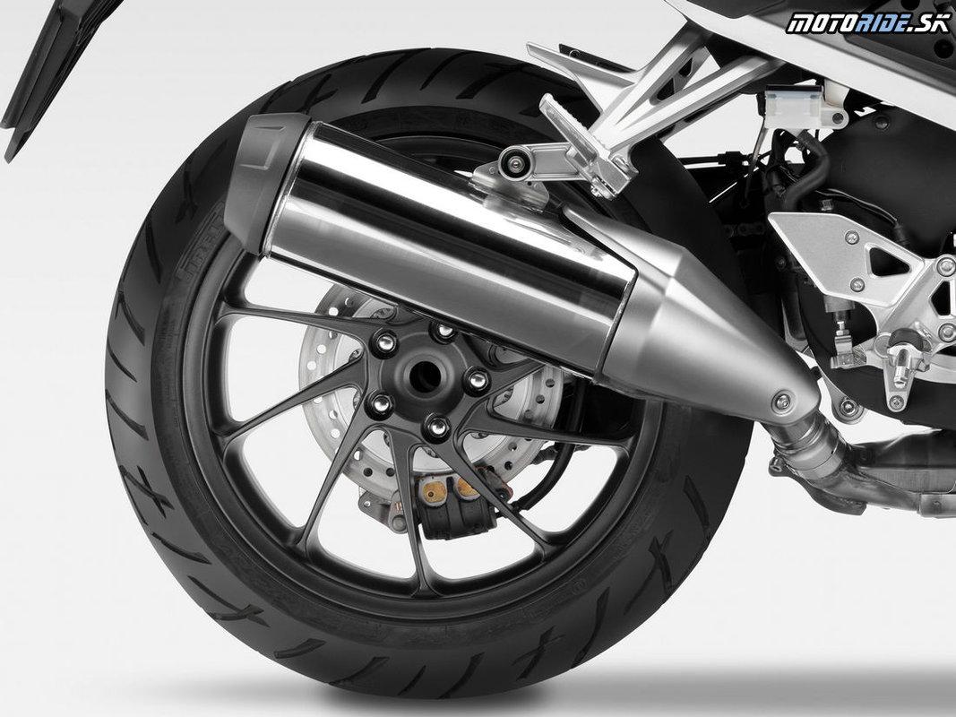 Nová Honda VFR800X Crossrunner pre rok 2015