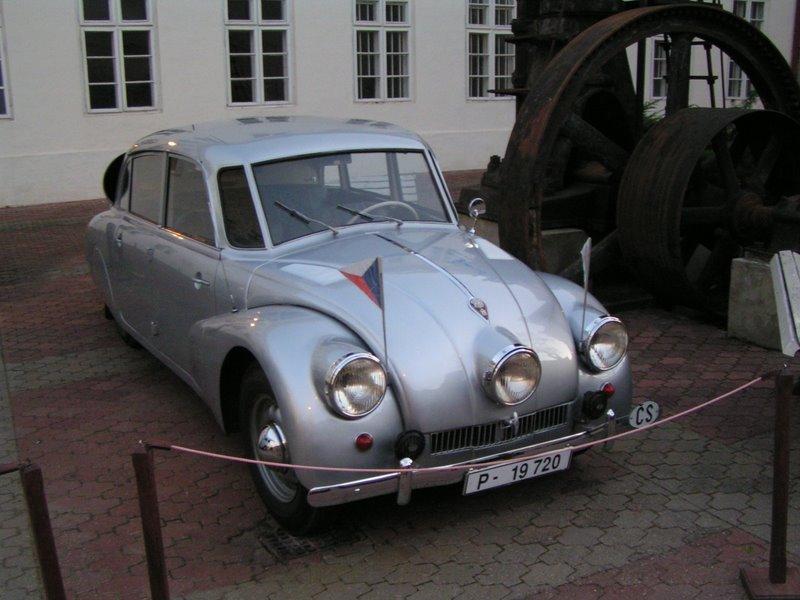 Tatra 87 - vozidlo ktoré absolvovalo cestu Jiřího Hanzelku a Miroslava Zikmunda
