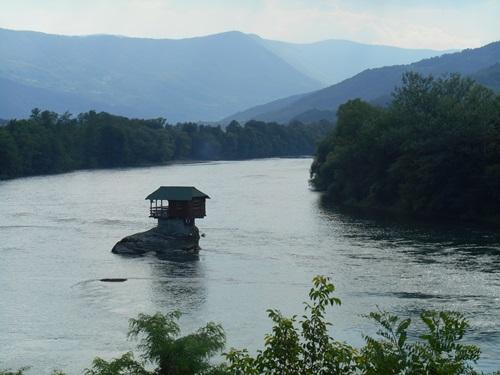 Srbsko - kuča na Drine