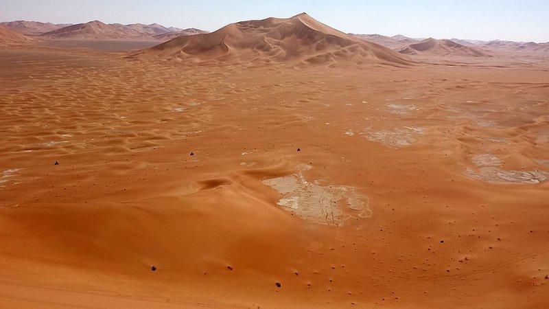 Rub Al Khali – aj 300 metrové duny.