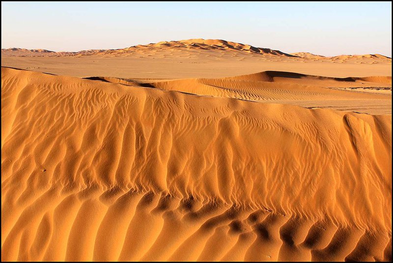 Pieskové duny boli blízko a v diaľke boli čoraz väčšie.