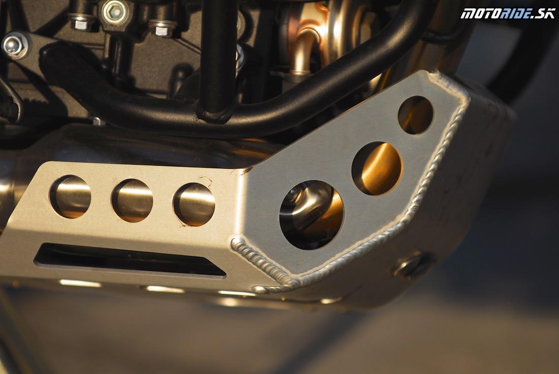 Triumph Tiger 800 XCx 2015 - chránič motora
