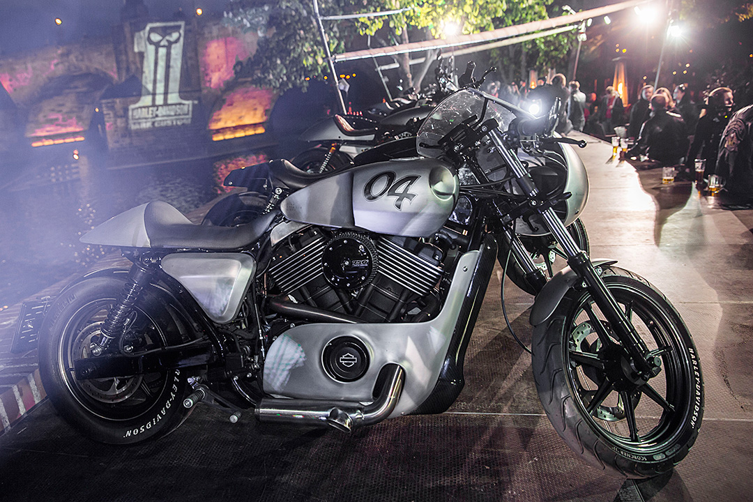 Harley-Davidson Dark Custom Party 2015 - Praha