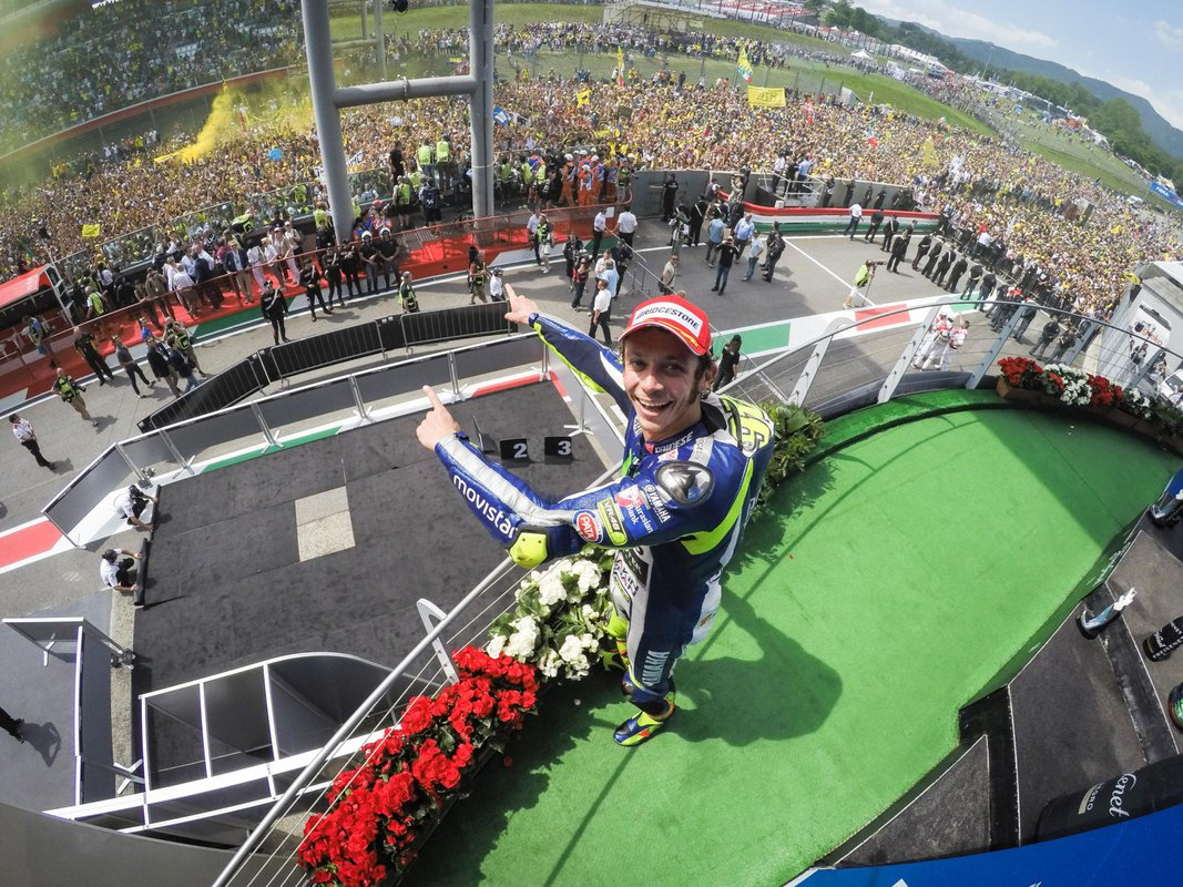 MotoGP 2015 VC Talianska - Rossi si užíval fanúšikov na domácej pôde
