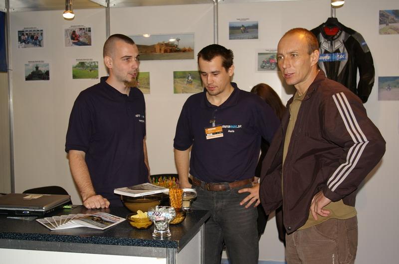 Výstava Motocykel 2007 - Jaro nám ide krstiť knihu