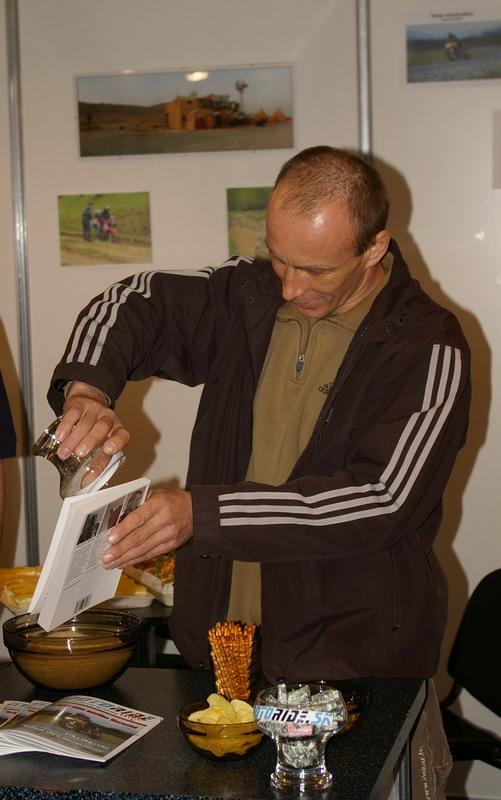 Výstava Motocykel 2007 - Jaro Katriňák krstí knihu Motoride Expedition Egypt 2006